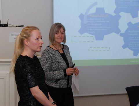 Status for skulen: Rektor Janne Opheim (t.v.) og kommunalsjef Gunhild Røyne orienterte i sist møte i kommunestyret.