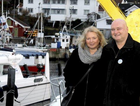 Advarer: Cecilie Moe og Geir Conrad Aaslund i Drøbak vel kan ikke bestille noe heftig fyrverkeri i Drøbak hvis det ikke kommer inn langt større summer fra befolkningen på forhånd. Begge Foto: Pål Brikt Olsen
