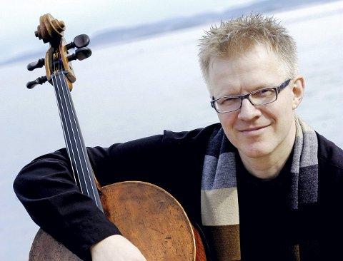 GLEDER SEG: Kunstnerisk leder for TrondheimSolistene, Øyvind Gimse ser fram til årets Vinterfestspill i Bergstaden.
