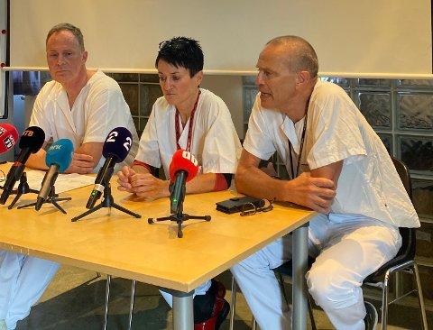 Fra venstre: Overlegene Henrik Siverts, Tina Gaarder og Pål Aksel Næss orienterte om antall elsparkesykkel-skader.