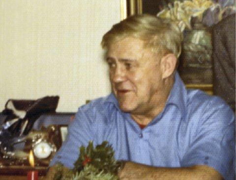 Sigfred Bødtker   var krigsseiler og var til sjøs i utenriksfart noen få år netter krigen. Siden jobbet han på Oslo Havn, også som kranfører. Han døde tragisk da  han frøs i hjel ved Akerselven i januar 1974.
