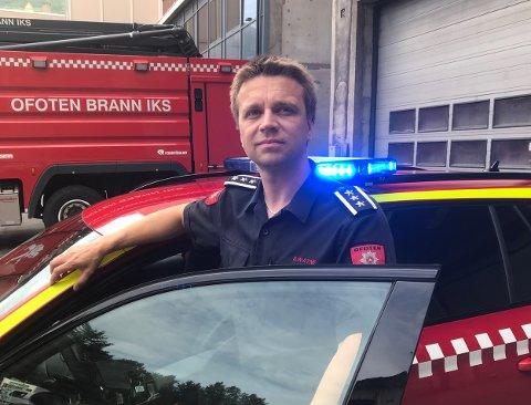 Heldige i Narvik: Brannkonstabel og kjørelærer Stian Watne har spesialkompetanse som utrykningsinstruktør. Det gjør at Ofoten Brann IKS har en internkompetanse bare to andre steder nord for Trondheim kan vise til.