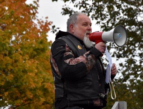 TIL FOLKET: Terje Randem er president i Horten MC og ledet protestaksjonen på Bromsjordet.