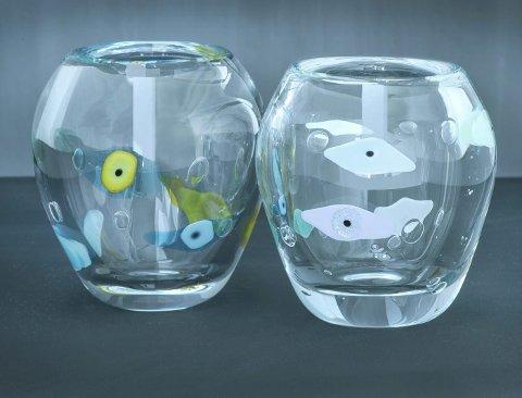 FISHEYE: Designer Camilla Prytz lager glassøynene og glassfiskene i sin egen ovn i Kristiansand. Deretter blåser Magnors glassblåsere opp øynene og fiskene inne i det flytende krystallglasset. BILDER: MAGNOR GLASSVERK