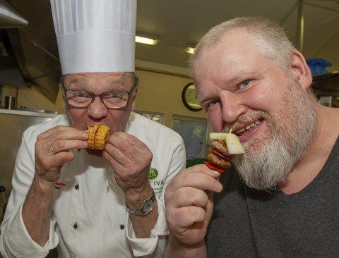 Det er servert: Max Ivan og Pål-Erik har gitt lytterne tips og råd med matlaging i et år, og det må feires.