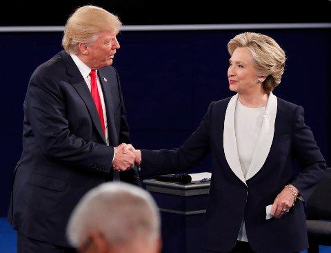 Rebulikaner Donald Trump og demokrat Hillary Clinton er snart ferdig med valgkampen. Onsdag er valgdag i USA.