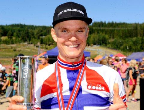 Petter Fagerhaug sikret seg sitt tredje NM-gull i terrengsykling og fikk kongepokalen på kjøpet.