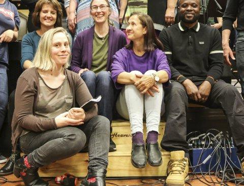 Lovar show: Rachel Nicki Hervé gler seg til å synga på morsmålet laurdag. foto: synnøve nyheim