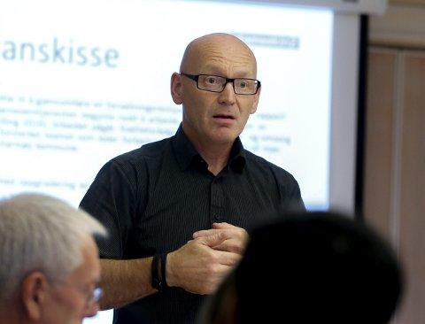 SKREKKRAPPORT: Barnevernsjef i Karmøy kommune, Jakob Bråtå sier flere ansatte vurderer å slutte i jobben. Arkivfoto: Alfred Aase
