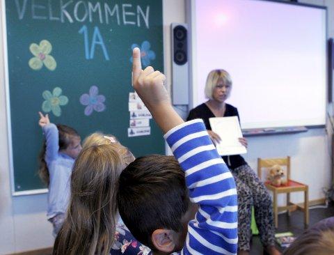 Tilpasset: Barn har krav på en opplæring som er tilpasset egne forutsetninger og ferdigheter og bør i større grad få mulighet til å starte på skolen når de er modne for det, mener Haugesund Venstre. Dette er et bilde fra skolestarten på Lillesund i 2014. arkivfoto: harald nordbakken