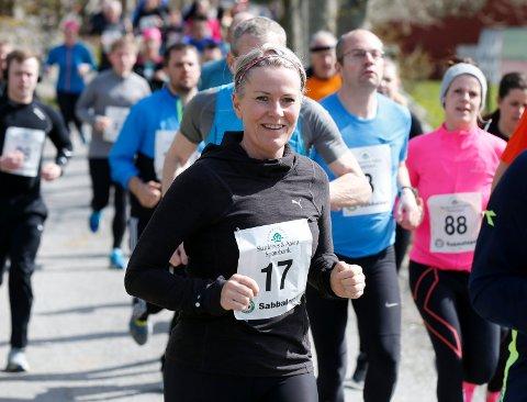 SIKKERT VÅRTEGN: Sabbaløpet i Veavågen går som alltid 1. mai. Her er Alice Vedøy i aksjon i fjorårets løp.