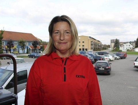 Fornøyd: Butikksjef Cecilie Danielsen ved Extra Fetsund har all grunn til glede seg over fjorårets resultater.