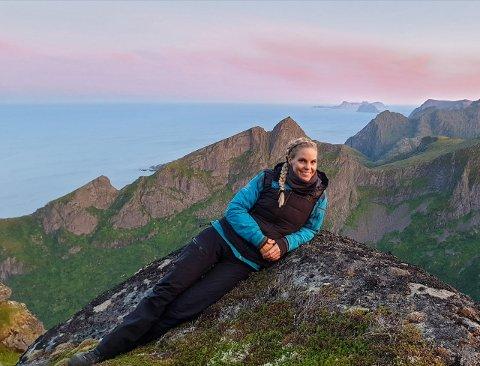 – Å bo i Lofoten er virkelig en drøm for meg. Det er et paradis jeg bor og jobber i, sier Marianne Egelandsdal.