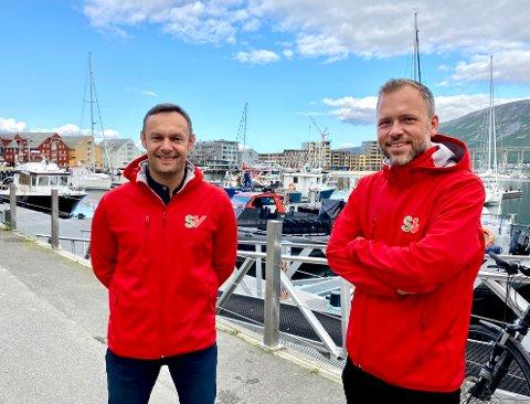 LEVER FARLIG: Torgeir Knag Fylkesnes (til venstre) kan ryke ut av Stortinget. SV-leder Audun Lysbakken er i Tromsø for å mobilisere for partiets mann i nord.