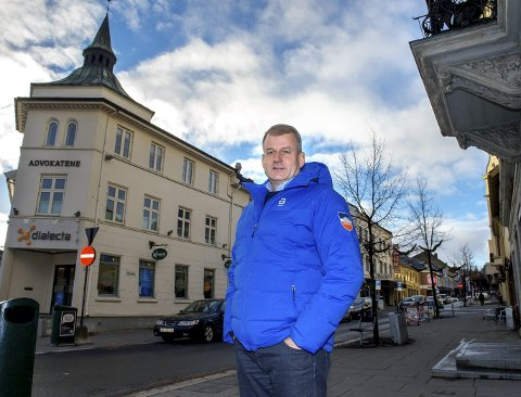 Ro i sjela: Her, hjemme på Gjøvik, har Erik Røste hatt sin frihavn og funnet ro i sjela når det har stormet som verst rundt skipresidenten. Foto: Brynjar Eidstuen