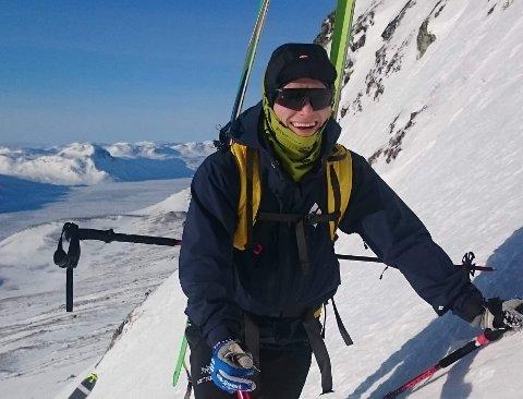 NYE EVENTYR: Sammen med kolleger i Oslo brann- og redningsetat skal Marius Beck fra Raufoss bestige Nord-Amerikas høyeste punkt, fjellet Denali. Bildet er fra en treningstur på Bygdin i Jotunheimen.