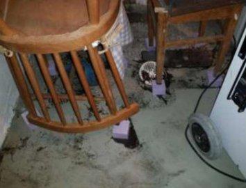 SLUK: Opp av sluket kom luktfritt vann og slam. FOTO: Fra skaderapporten