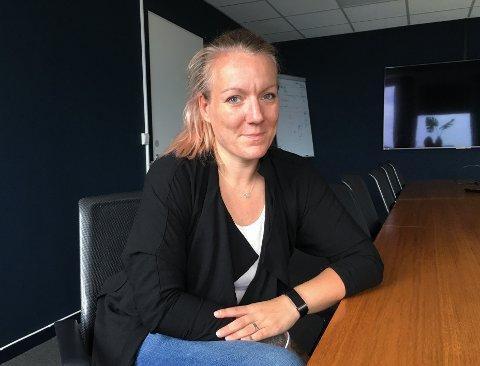 BAR BAKKE: Som arbeidsledig og alenemor var det lett å oppleve Larvik som litt trist for Marianne Karlsen da hun først flyttet hit.