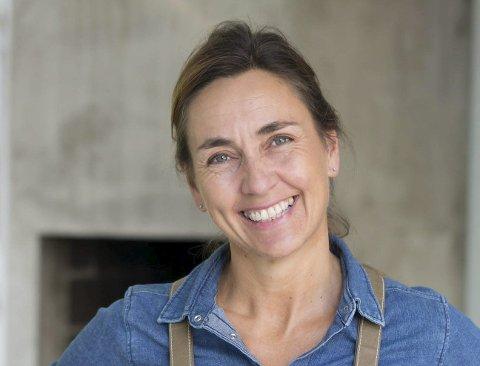 VIL INSPIRERE: Monica Hellmann (53) fikk cøliaki i voksen alder. Med ny bok ønsker hun å vise andre at man enkelt kan lage god næringsrik glutenfri mat.