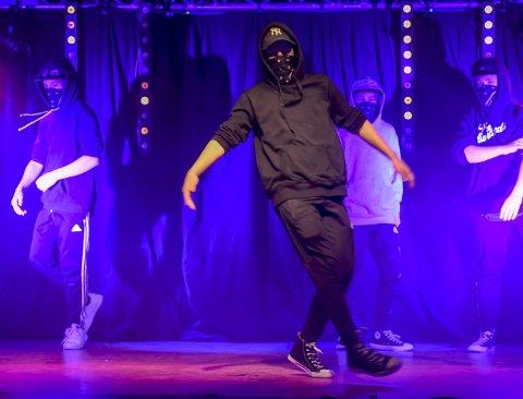 Dansegruppe: Dansegruppa KDB5 deltok med breakdance, og imponerte dommerne som sendte dem videre til fylkesfinalen.Foto: Øyvind Bratt