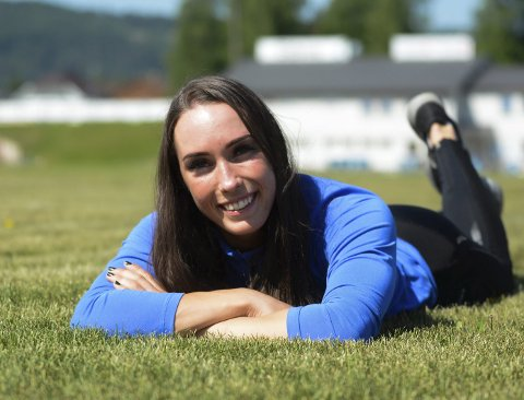 Klar for Bislett Games: Det er her i stavsvingen i idrettsparken i Moelv at Lene Retzius har lagt grunnlaget for at hun nå er landets beste kvinnelige stavhopper. Kommende torsdag får hun en stor drøm oppfylt da hun deltar i prestisjetunge Bislett Games.