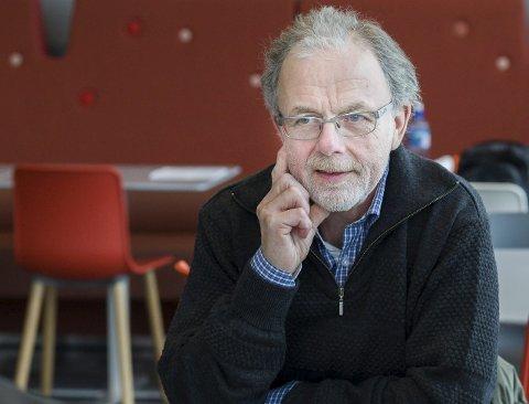 Andres Lundesgaard, leder i Åsa Vel vil høre hva sambygdingene vil med bygda si.