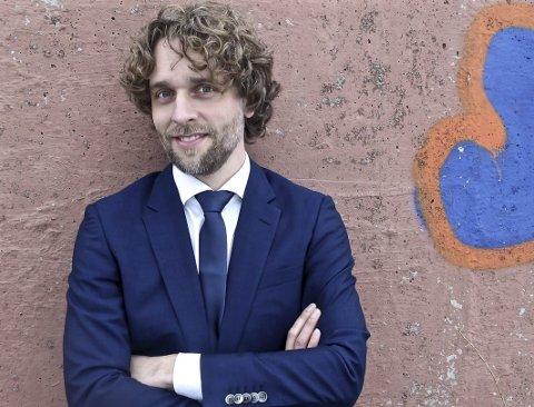 Saltnes kommer: Solist og musiker, Jan Tore Saltnes kommer til Aktivitetssenteret i Sande.FOTO: PRESSE