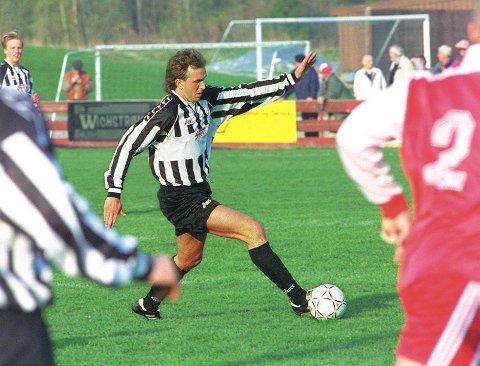 DRØMMELAG: Lars Melby har tatt ut spillere fra både Hafslund og SFK på sitt drømmelag. Dette bildet er fra en Hafslund-kamp i 1997.