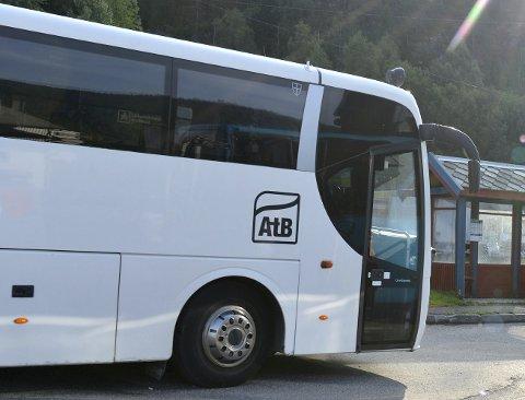 MISTET SKOLEBUSSEN: Mange elever i Malm har mistet skolebussen etter at Fv. 720 fikk ny trase.