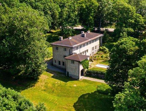 SELGES: Villa Ekeli på Borgestad
