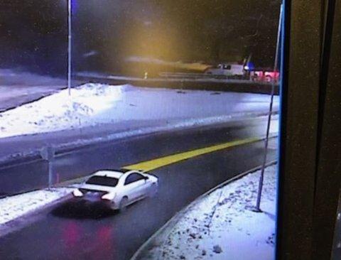 LIVSFARLIG ADFERD: Det var denne bilen som dundret mot politiet i 204 kilometer i timen.