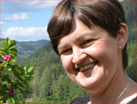 Rundt i Bagn: Ordførar Marit Hougsrud skal i neste veke ta med seg planforum i Innlandet på synfaring i Bagn.