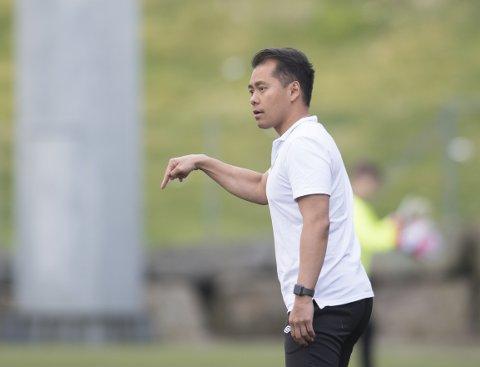 – Jeg tror det er noen i ledelsen som nok blir litt stresset om vi skulle klare det, sier Fyllingsdalen-trener Hiep Tran.