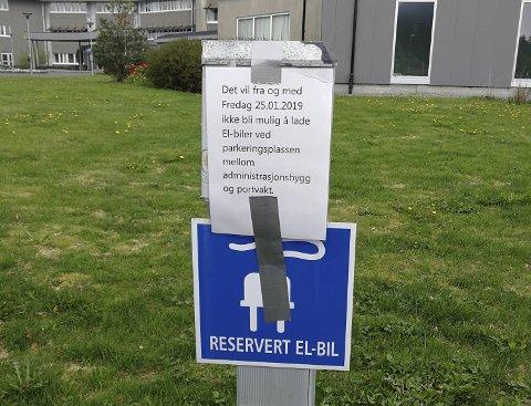 Lademuligheter for el-biler er fjernet fra Mongstad. Equinor skal ikke lage nye ladepunkter.