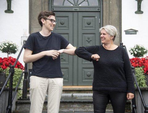 – Vi synes Arbeiderpartiet er et godt sted å være,  sier leder i Vestland Ap Marte Mjøs Persen og leder i Vestland AUF, Endre Toft.