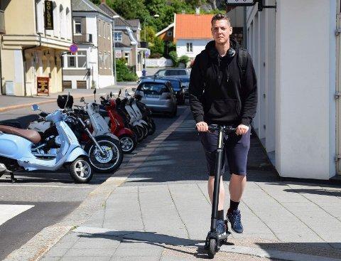 Hyppig bruker: Stian Severinsen (27) er glad i sin elektriske sykkel, og sier han forsøker ta hensyn til gående.