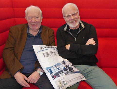 Overtar stafettpinnen: Nils E. Øy (til venstre) gir seg som styreleder i Fredriksstad Blads stiftelse etter 13 år. Mandag ble tidligere FB-redaktør Erling Omvik valgt som ny styreleder i stiftelsen.  (Foto: Øivind Lågbu)