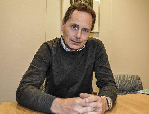 BEKYMRET: Kemner Karl Petter Wenaas i Horten mener både kommunen og innbyggerne vil tape mye på den nye ordningen som mest sannsynlig vil bli vedtatt.