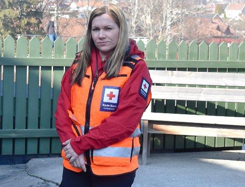 LEDER: Laila Kristine Brasrud i Brandbu Røde Kors sier at viktigheten av en garasje og samlet plass for utstyr er viktig - noe katastrofen i Gjerdrum er et eksempel på når det gjelder å rykke ut raskt.