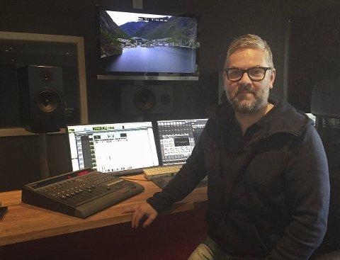 STOLT: Haldenser Peter Clausen vant Gullruten for jobben han har gjort som lyddesigner for serien «Magnus».