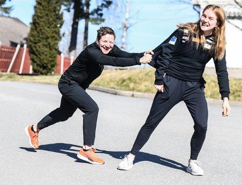 """STOPP: Henriette Jæger vil trene """"hele tiden"""", men holdes igjen av mamma og trener Unn Merete. Nå er supertalentet klar for en ny sesong - med internasjonale høydepunkter i kø."""