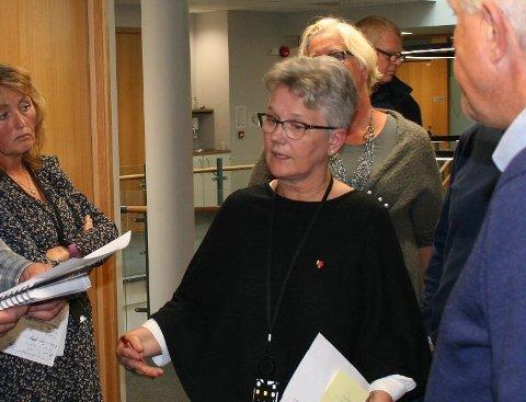 EIT SLAG I MAGEN: Fungerandre ordførar Tove Elise Madland i Vindafjord kallar KLP si avgjerd om ikkje å godta finansklagenemnda si avgjerd om full forsikringsutbetaling for Vindafjordhallen «eit slag midt i magen». (Arkivfoto: ).