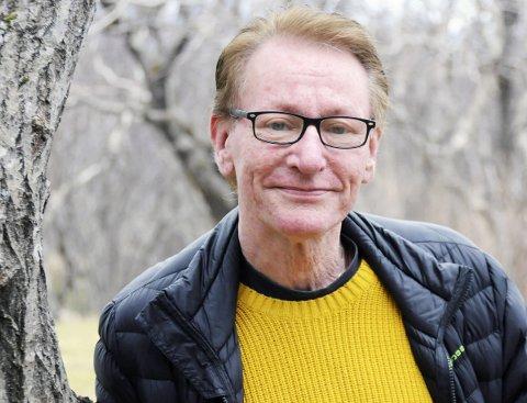 Viggo Pareli Eriksen 59 år. Gift. Far til fire. Uføretrygdet hjelpepleier/journalist. Bor i Sandnessjøen.