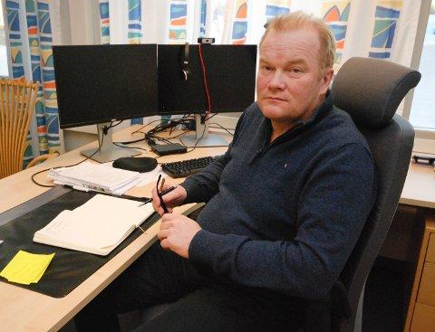 VIL VARE LENGE: Fylkesrådleder Bjørn Inge Mo tror koronakrisa vil vare lenge. Nå er alle divisjoner i fylkeskommunen i ferd med å forberede krisepakker.