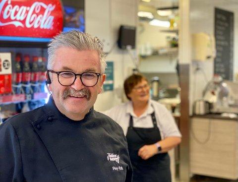 FORANDRINGER: Roy-Erik Pedersen skal i møte med Ragde Eiendom om eventuelle forandringer som må gjøres med delikatessen etterhvert.