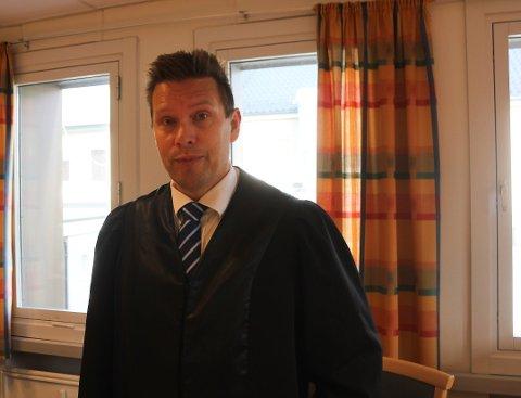 ALVORLIG: Politiet ser alvorlig på voldssaken fra Kirkenes sentrum sist mandag, men har ingen indikasjon på at antallet voldssaker er økende, sier politiadvokat John-Kåre Olsen ved Finnmark poliitidsitrikt.