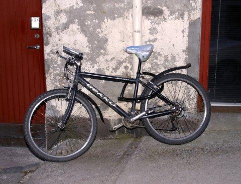 HØYSESONG: August er den måneden i året hvor det sjeles flest sykler her til lands. - Fest sykkelen til noe det ikke går an å flytte, er ett av rådene fra forsikringsselskapet If.