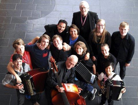 SMIL: Et utvalg glade musikanter fra Moss Spellemannskompani etter vel gjennomført NM i Asker sist ukeslutt.