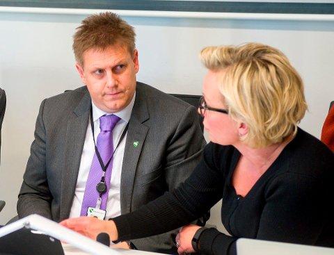 – Råde kommune har ikke egen prosedyre for saker som kun omhandler seksuell trakassering, men har prosedyrer som omfatter alle former for vold og trakassering, forsikrer ordfører Rene Rafshold, her sammen med varaordfører Frederikke Stensrød.