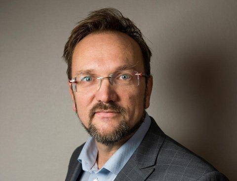 Venstre: Kyrre Alvær